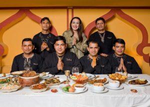 הצוות של מסעדת טנדורי