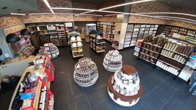 חנות הקונספט החדשה של פוליבה בראשון לציון לחומרי גלם לאפייה, צילום רועי שר