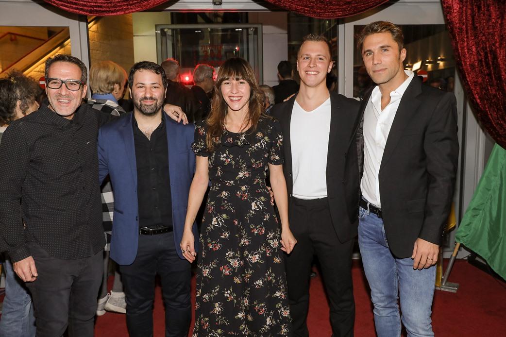 שרה אדלר במרכז עם מילר, קלקהוף, גרייצר ושטראוס. צילום: רפי דלויה