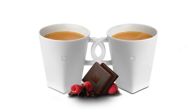 """מארז ספלי קפה ליום האהבה. צילום: יח""""צ"""