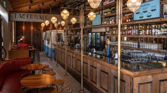 פאב ה-lager ale בשרונה. צילום: אנטולי מיכאלו