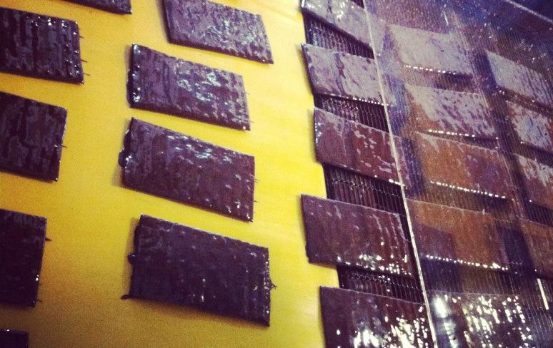 """מצות מצופות שוקולד משנות ה-90. צילום: יח""""צ"""