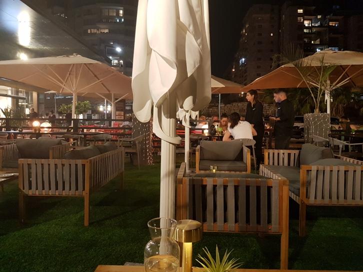 מחכים להיתר פתיחה. מסעדה בתל אביב